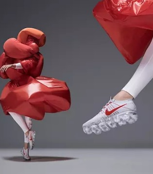 为了给新鞋造势 耐克找新锐设计师做了几套概念服