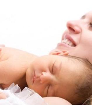 如何让宝宝爱上俯趴 宝宝俯趴好处多