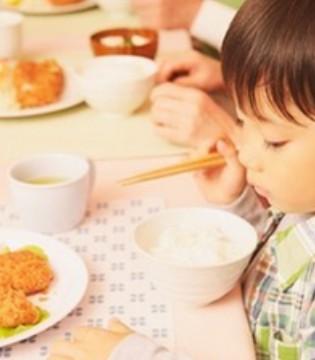 孩子积食的征兆 面对积食宝宝家长应该这样护理
