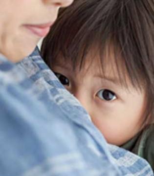 """孩子的""""胆小病""""能治吗  勇气是需要家长培养的"""