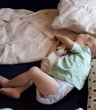 宝宝睡觉出汗是正常现象吗  有些症状不能忽视