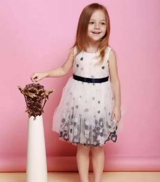 塔哒儿准备了几款花色缭绕的时尚童装  宝妈们快来挑