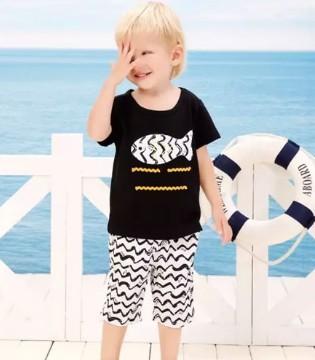 一件婴姿坊T恤 就能让简单快乐的宝宝时尚指数飙升
