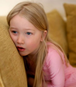 春天小心孩子肚子里的蛔虫  经常肚子痛要重视