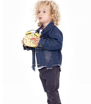 满足孩子童趣需求的1001夜童装为孩子营造一个童话世界
