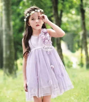熙琳服饰打造梦幻初夏  做一个活泼可爱的花仙子