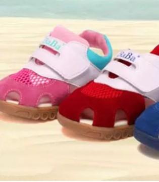 巴巴童鞋来告诉妈妈们  宝宝的凉鞋应该怎么选