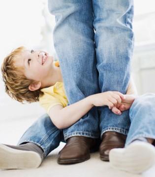 孩子耍赖皮应该怎么办  爸爸妈妈用3招轻松搞定他