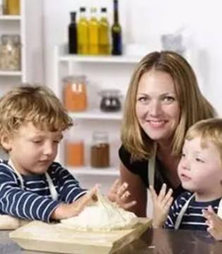 如何让孩子听父母的话  先以身作则做一个聆听者