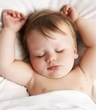 """别再给宝宝""""睡平头""""了  对宝宝有百害而无一利"""