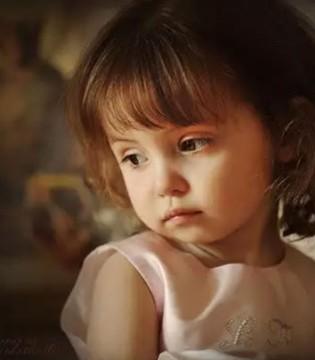 孩子患抑郁就这么简单  一些不经意的动作会产生影响