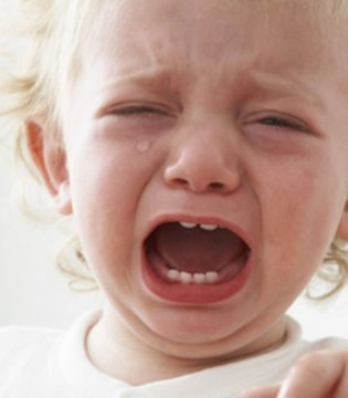 孩子总是爱大哭请这样搞定TA  先了解原因再下手