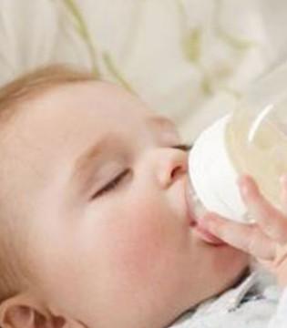小儿肺炎特征是什么 常喝水预防肺炎最有效