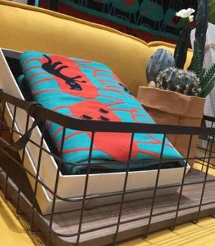 梵高小屋里出走的艺术品  爱法贝的椅子猫浴巾