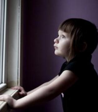 孩子自闭症影响智力 家长要提前知道怎么预防