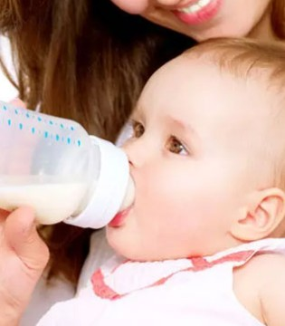 宝宝胀气哭闹居然是奶瓶用错了  快来get正确姿势