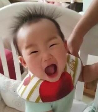 小米粒头发竖起来超搞笑 被伊能静调侃:爆米花