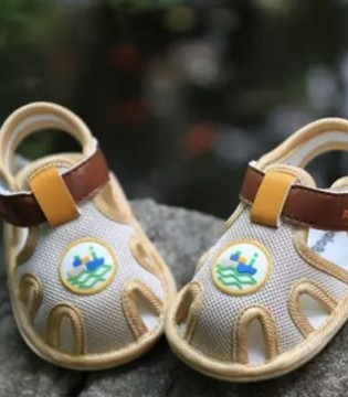 五一小长假出游吧  给宝宝穿上娜拉宝贝的鞋子走起