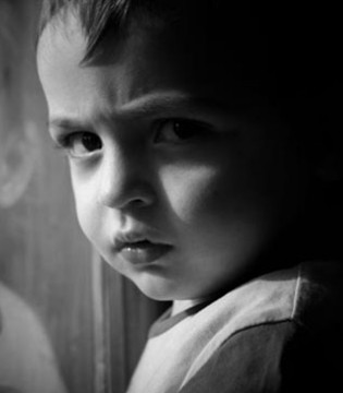 13岁男孩竟患抑郁症  孩子抑郁症5大表现要认清