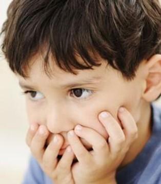 小儿为何会有自闭症 第一个因素家长想不到