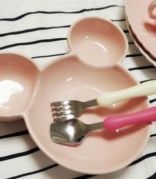 如何为孩子挑选餐具  餐具的材质非常重要