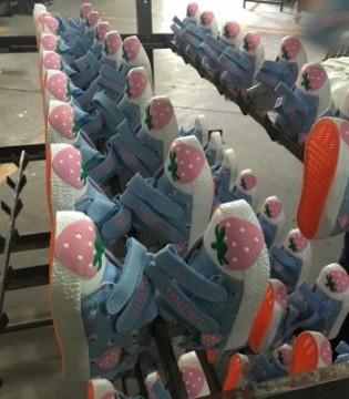 浙江鞋类企业看好儿童经济 线上线下共同发力
