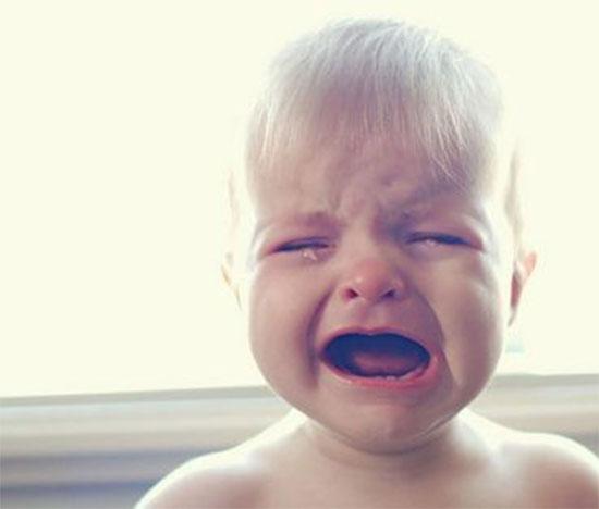 原来宝宝身体不舒服 生病前宝宝的本能反应会告诉你