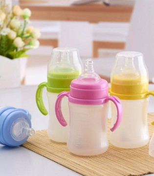 宝宝的奶瓶要每天消毒?其实根本不靠谱