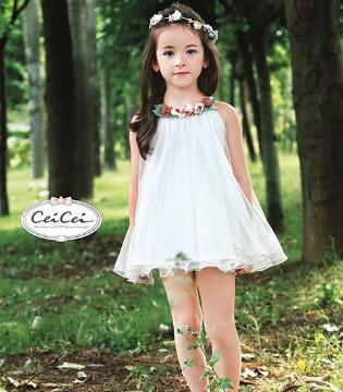 听说夏天到了 Ceicei熙熙童装的公主裙和宝贝超配的