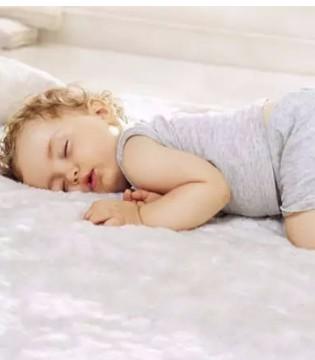 婴儿睡眠10大现象解读 究竟睡多久才够
