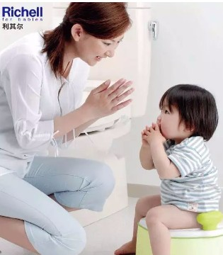 一台三用儿童训练坐便器 从小养成好习惯