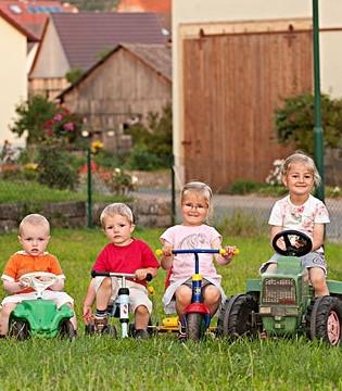 3岁前骑童车三原则 每次别超半小时