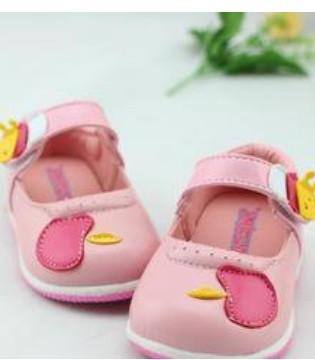 宝妈们如何去挑选好宝宝的第一双学步鞋