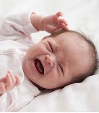 宝宝闹人哭啊哭不休 用小技巧轻松搞定爱哭宝