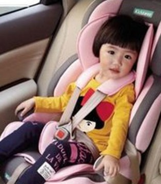 安全座椅六种错误使用方法 快看你有没有用错