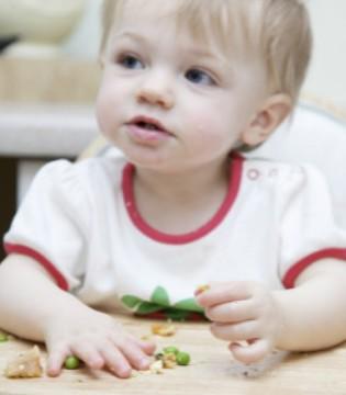 宝宝餐椅有必要买吗 坐餐椅吃饭好处多