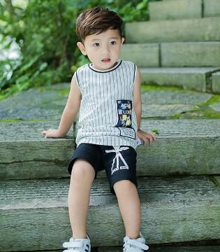 波波龙童装和你一起欢度儿童节 让梦想起航 童心飞扬