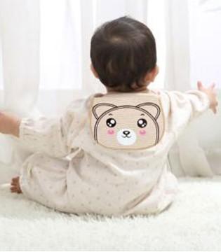 夏天到了要给宝宝准备必备品吸汗巾 应该怎么选购呢
