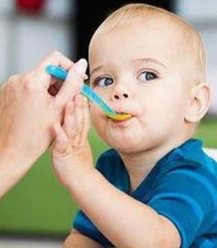 给宝宝选好的餐具 让宝宝吃辅食更轻松