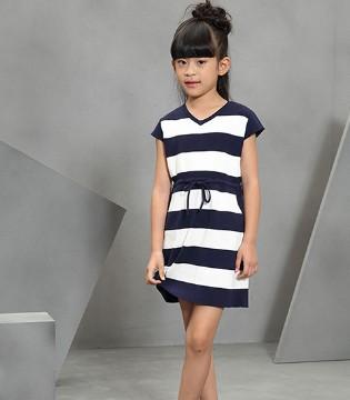 青春无极限 就是要穿上OKSTAR欧卡星童装一起嗨嗨嗨