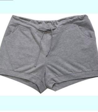 """这里有让你腿变得又直有瘦的""""热裤""""哦"""