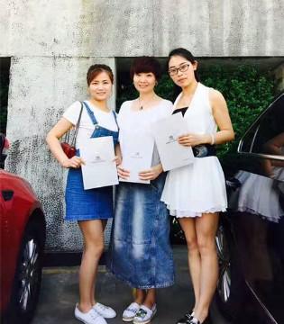 六月琦瑞德泽童装绽放光彩 陕西省汉中专卖店签约成功啦