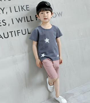 走在街上要fashion 当然少不了大宝小宝品牌童装