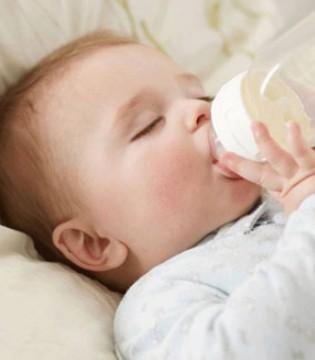 母乳喂养常见问题 吃母乳过敏怎么办