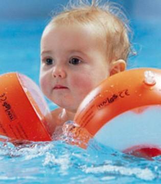 要带宝宝去游泳之前 你需要注意这些