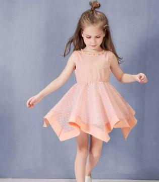 各位宝妈们是如何选购童装的呢 今天跟上童戈脚步一起学吧