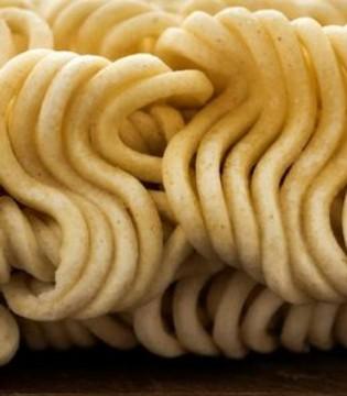 销毁2千袋台湾方便面 含违规添加剂甘草酸钠