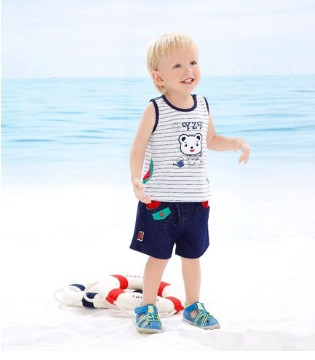 """夏日来了 在海边""""熊""""孩子也能穿得帅帅的"""