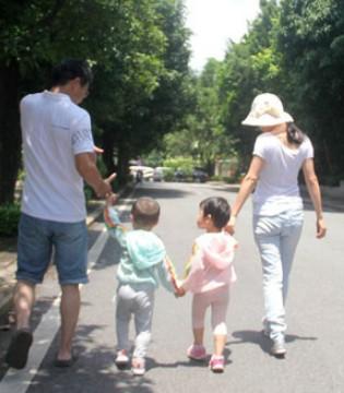 爸妈 暑假我带孩子来看您们 图吖孝心行动