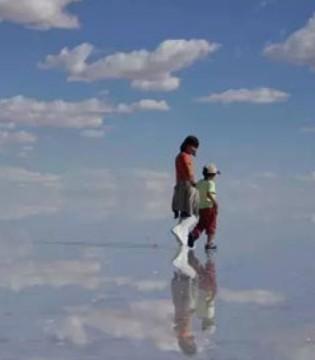 在世界上最大的天空之镜 辛巴实现了拯救世界的英雄梦~
